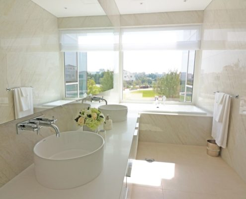 luxury bathroom in Dubai