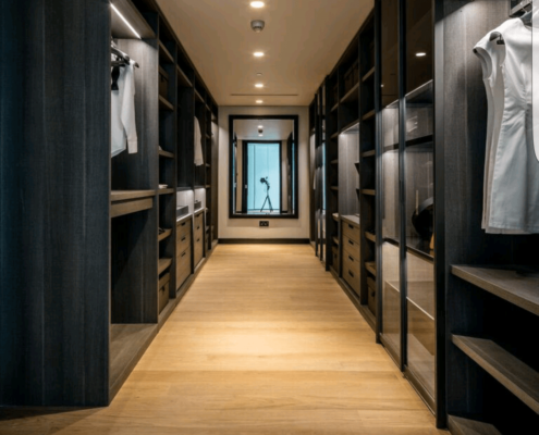 walk in closet in Dubai