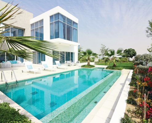 Stor privat swimmingpool i dubai